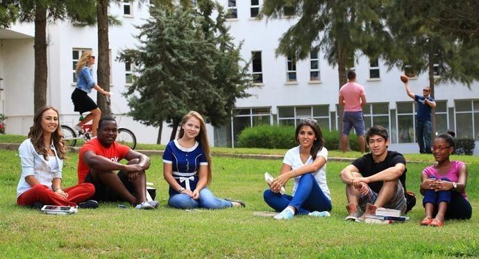 KKTC, vakıf ve özel üniversiteleri ile yurtdışından bir çok öğrencinin tercih ettiği yerlerden birisi